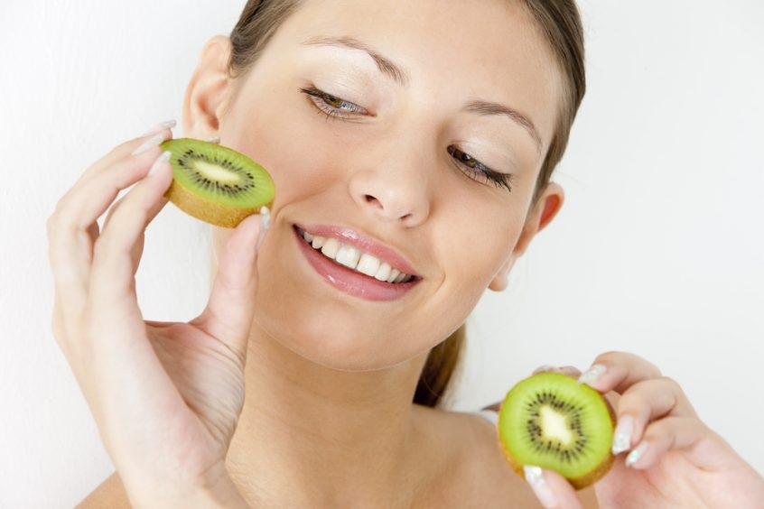 A recent study shows magical benefits in the event of eating kiwi daily