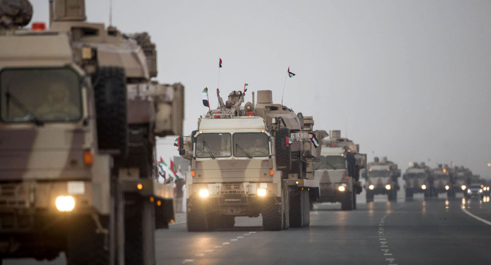 بالفيديو.. قوات إماراتية تسحب آخر عتادها العسكري من اليمن بالتزامن مع وصول قوات سعودية